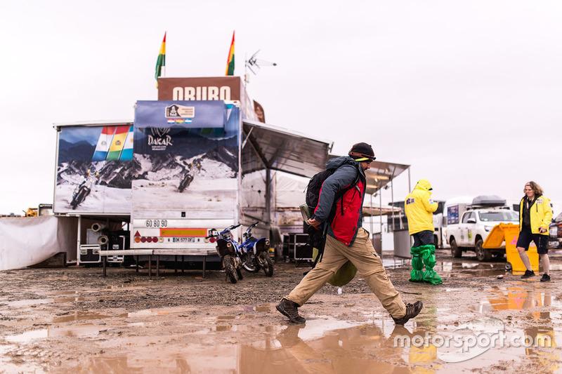 Hochwasser im Biwak in Oruro