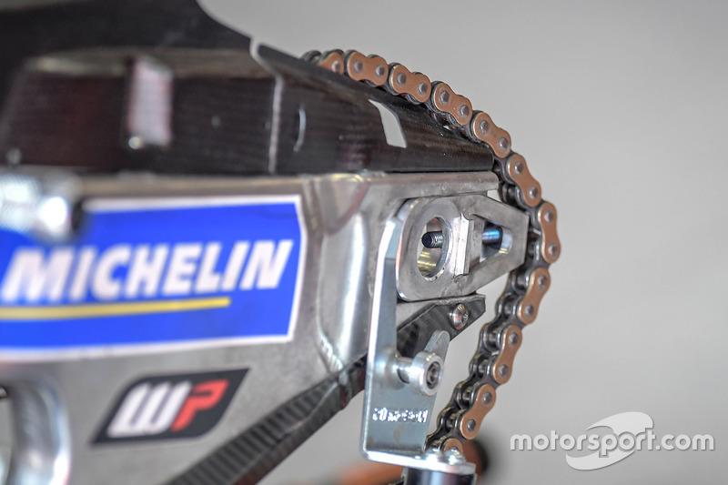 KTM motosikletinin zincirinin detayı, Red Bull KTM Factory Racing