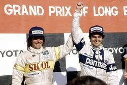 Ganador de la carrera Nelson Piquet, Brabham BT49-Ford Cosworth; tercer lugar Emerson Fittipaldi, Fittipaldi F7-Ford Cosworth