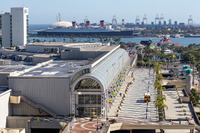 Das Long Beach Convention Center und die Queen Mary
