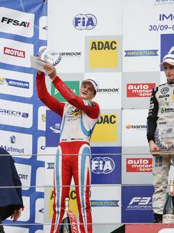 Rookie Podium: 2. Ralf Aron, Prema Powerteam, Dallara F312, Mercedes-Benz