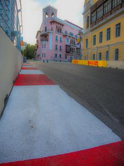 Circuito ciudad de Bakú en la curva 15