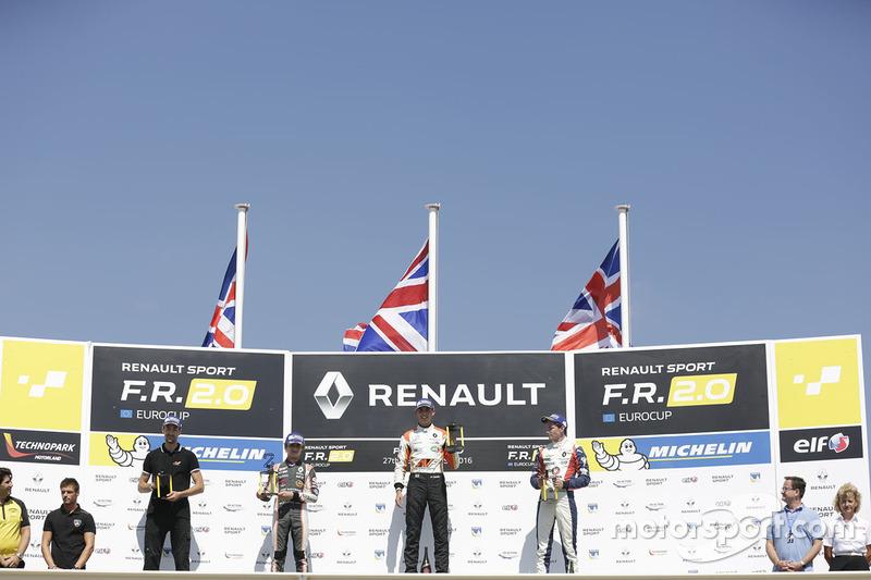 Podyum: 1. Harrison Scott, AVF by Adrian Valles, 2. Lando Norris, Josef Kaufmann Racing, 3. Will Palmer, R-ace GP