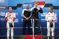 Podium: race winner Thed Björk, Polestar Cyan Racing, Volvo S60 Polestar TC1, second place Norbert Michelisz, Honda Racing Team JAS, Honda Civic WTCC, third place Yvan Muller, Citroën C-Elysee WTCC, Citroën World Touring Car team