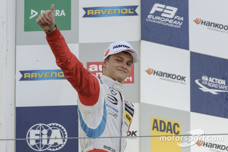 Rookie-Podium: Ralf Aron, Prema Powerteam, Dallara F312 - Mercedes-Benz