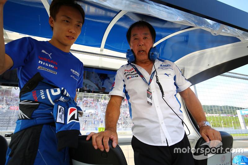 #12 Team Impul Nissan GT-R Nismo GT3: Hironobu Yasuda with Kazuyoshi Hoshino, Team Impul Director