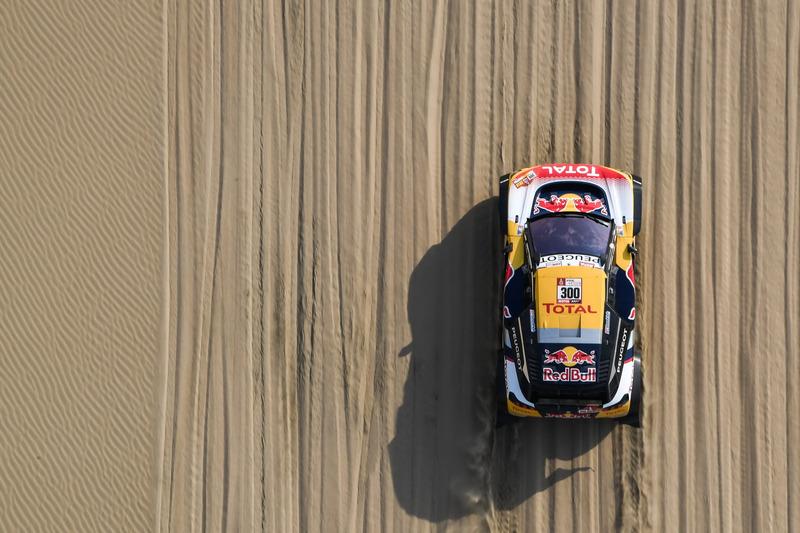 1. #300 Peugeot Sport Peugeot 3008 DKR: Stéphane Peterhansel, Jean-Paul Cottret