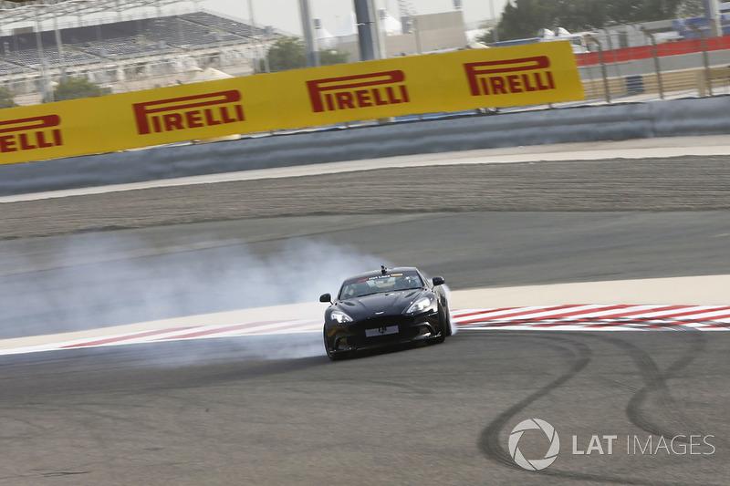 Заезд Pirelli Hot Laps: Даниэль Риккардо, Red Bull Racing