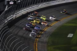 Aric Almirola, Stewart-Haas Racing Ford Fusion, Denny Hamlin, Joe Gibbs Racing Toyota, Austin Dillon, Richard Childress Racing Chevrolet Camaro