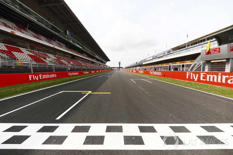 The pit straight at the Circuit de Catalunya