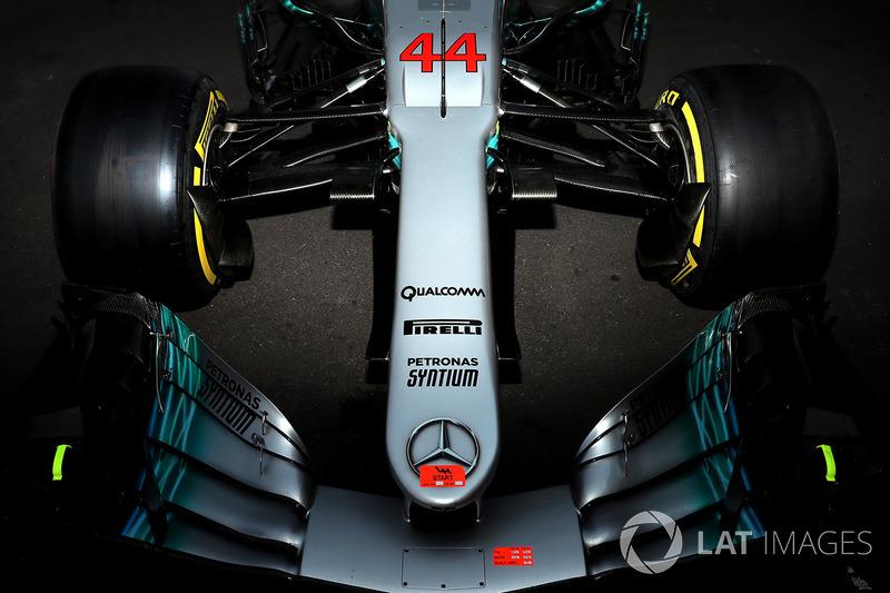 Detalhe da asa dianteira da Mercedes de Lewis Hamilton