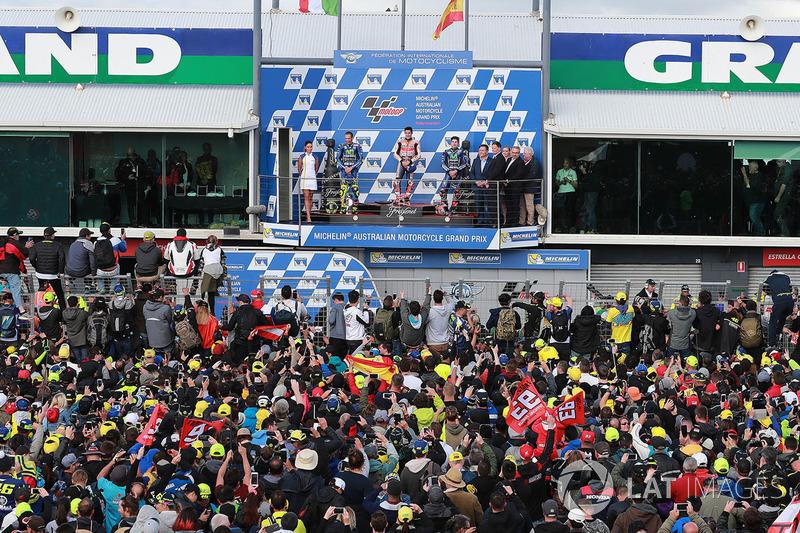Podium: race winner Marc Marquez, Repsol Honda Team, second place Valentino Rossi, Yamaha Factory Racing, third place Maverick Viñales, Yamaha Factory Racing
