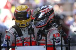 2. sıra Fernando Alonso, McLaren MP4-22, 3. sıraLewis Hamilton, McLaren MP4-22