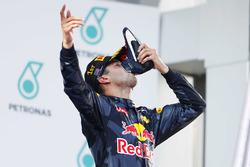Ganador de la carrera Daniel Ricciardo, Red Bull Racing