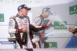 Podium: race winner Anthony Davidson, Toyota Gazoo Racing