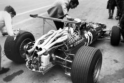 Mauro Forghieri ve Chris Amon, Ferrari 312