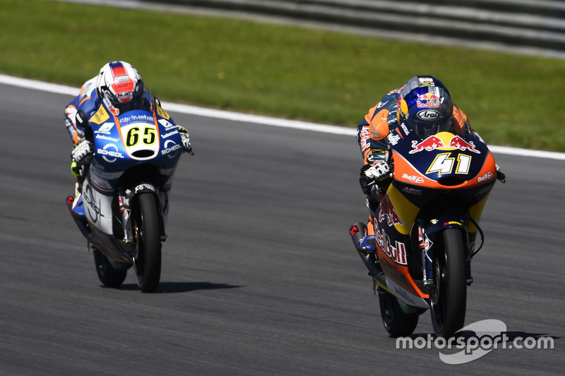 Brad Binder, Red Bull KTM Ajo, KTM; Philipp Öttl, Schedl GP Racing, KTM