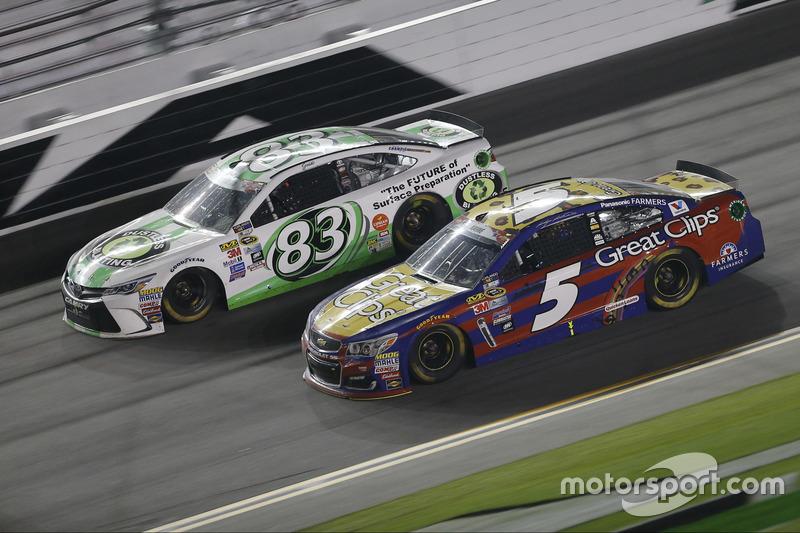 Matt DiBenedetto, BK Racing Toyota, Kasey Kahne, Hendrick Motorsports Chevrolet
