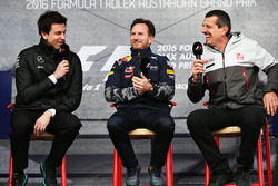 Toto Wolff, Mercedes-Chef; Christian Horner, Red-Bull-Racing-Teamchef; Guenther Steiner, Haas-F1-Tea