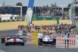 Platz 3 für #31 Vaillante Rebellion Racing Oreca 07 Gibson: Julien Canal, Bruno Senna, Nicolas Prost
