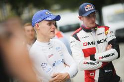 Гонщики команды M-Sport Отт Тянак и Элфин Эванс