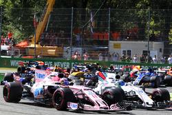 Sergio Perez, Sahara Force India VJM10, Felipe Massa, Williams FW40