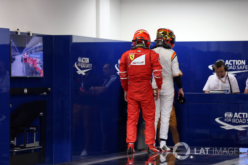 Kimi Raikkonen, Ferrar, Stoffel Vandoorne, McLaren
