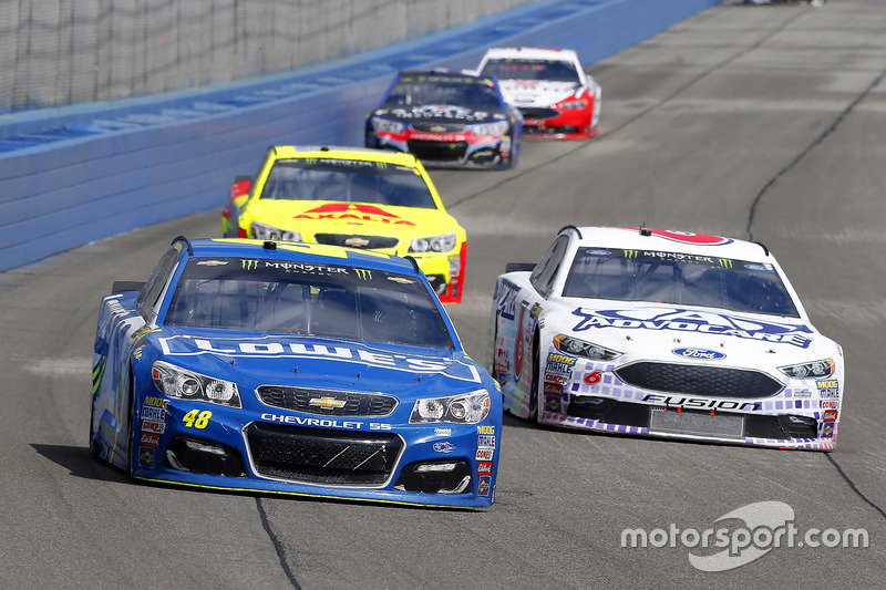 Jimmie Johnson, Hendrick Motorsports, Chevrolet; Trevor Bayne, Roush Fenway Racing, Ford