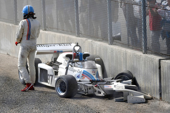 Fahrer nach Unfall