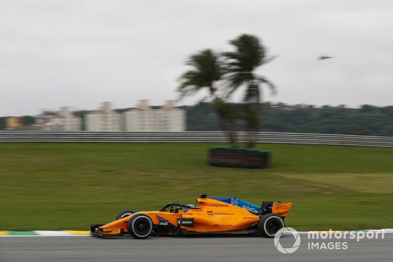 Alonso uit zijn frustraties richting McLaren