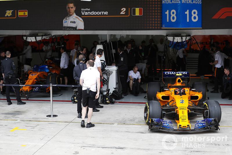 Stoffel Vandoorne, McLaren MCL33, exits the team's garage