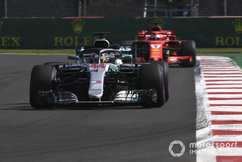 Lewis Hamilton, Mercedes AMG F1 W09 EQ Power+ y Sebastian Vettel, Ferrari SF71H