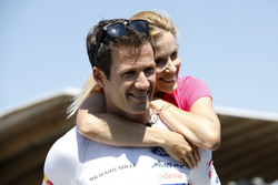 Sébastien Ogier met zijn vrouw Andrea Kaiser