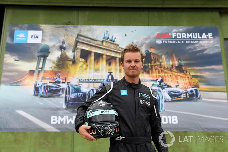 Nico Rosberg conduce el FIA Formula E Gen 2