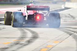 Charles Leclerc, Sauber C37 fait un burnout