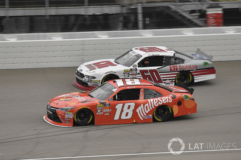 Kyle Busch, Joe Gibbs Racing, Toyota Camry Maltesers and Chase Briscoe, Roush Fenway Racing, Ford Mustang LTi Printing