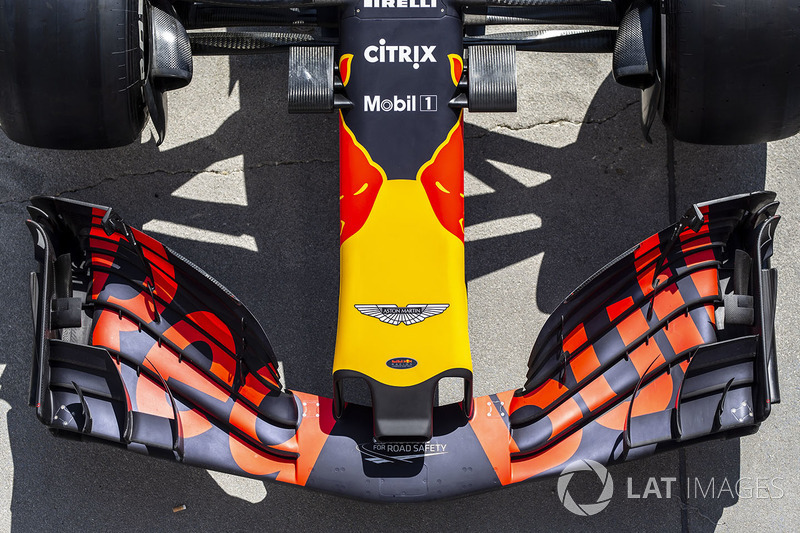 Red Bull Racing RB14 nose and front wing