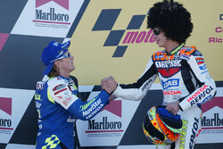 Podium: race winner Valentino Rossi, second place Sete Gibernau
