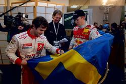 Il vincitore Mattias Ekström con l'organizzatore dell'evento, Fredrik Johnsson e Sebastien Loeb
