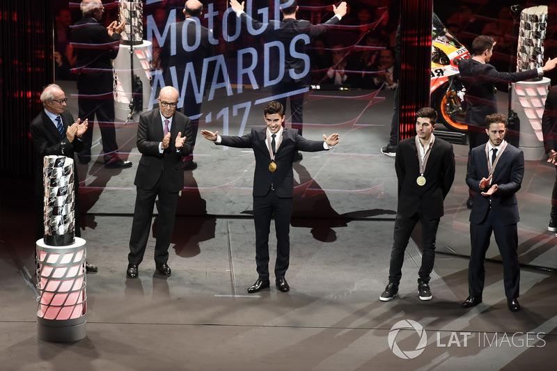 Марк Маркес, Repsol Honda Team, Маверик Виньялес, Yamaha Factory Racing, и Андреа Довициозо, Ducati Team