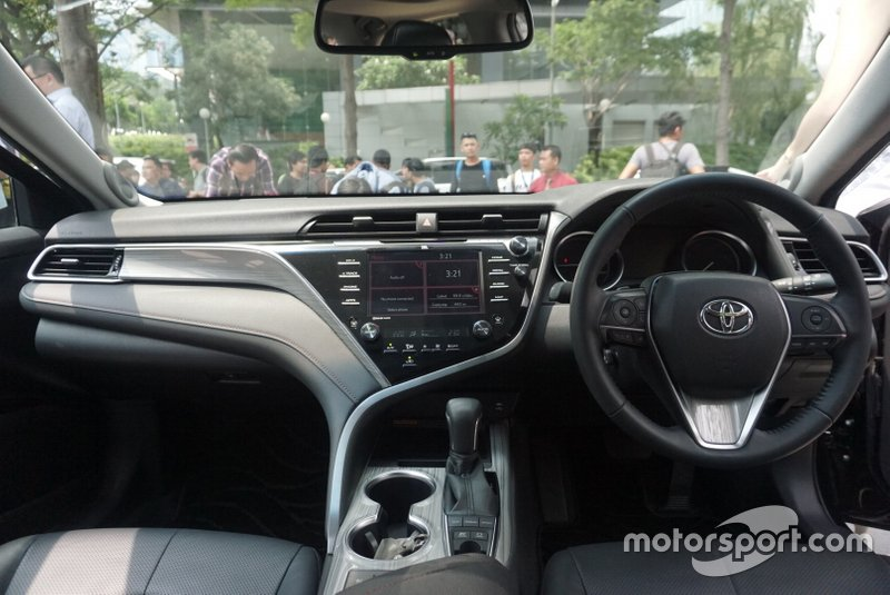 Interior Toyota All New Camry