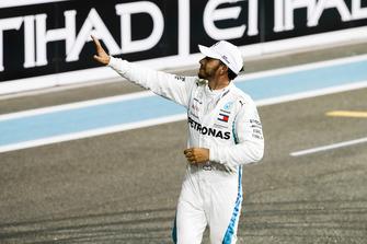 Lewis Hamilton, Mercedes AMG F1, 1st position, celebrates