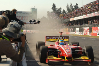 Ganador de la carrera Sebastien Bourdais, Newman Haas Lanigan Racing
