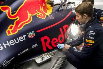 Miembro del equipo Red Bull Racing ExxonMobil