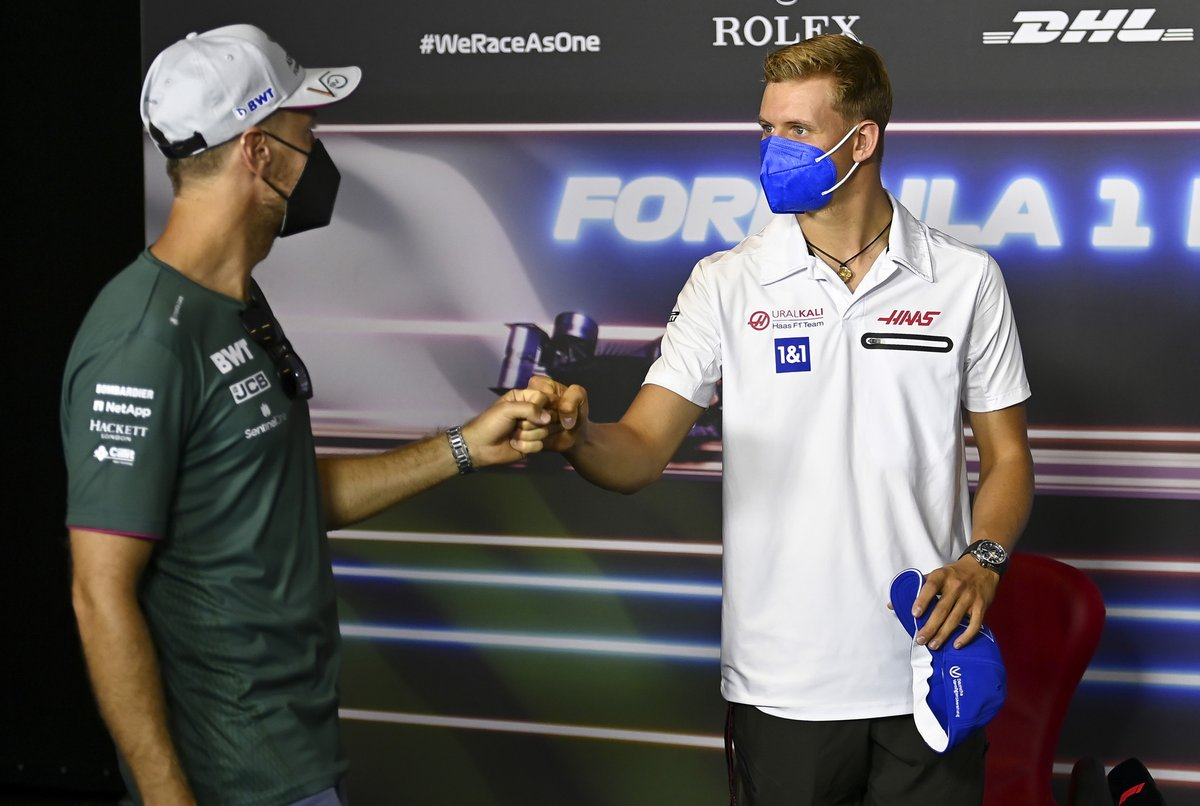 Sebastian Vettel, Aston Martin and Mick Schumacher, Haas F1 in the drivers press conference