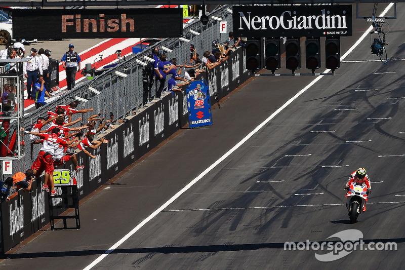 Zielflagge für Andrea Iannone, Ducati Team