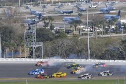 Crash: Daniel Suarez, Joe Gibbs Racing Toyota, Jimmie Johnson, Hendrick Motorsports Chevrolet Camaro, Erik Jones, Joe Gibbs Racing Toyota