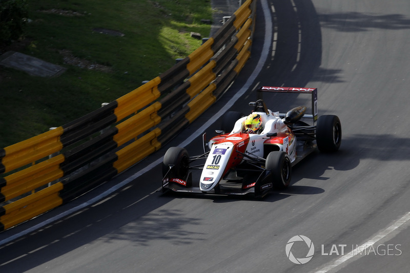 O próximo passo foi a F3 Europeia em 2017. Lá, foi 12º colocado em sua primeira campanha, com um pódio.