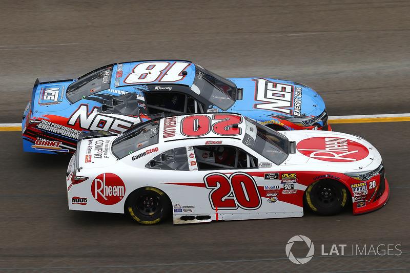 Kyle Busch, Joe Gibbs Racing, Toyota Camry NOS y Christopher Bell, Joe Gibbs Racing, Toyota Camry Rheem