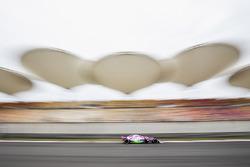 Esteban Ocon, Force India VJM11, with FLow-Viz paint applied